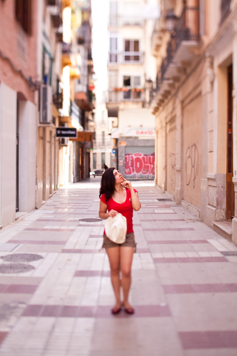 Toronto Photographer : Malaga, Spain Nanna Minasyan in an alley