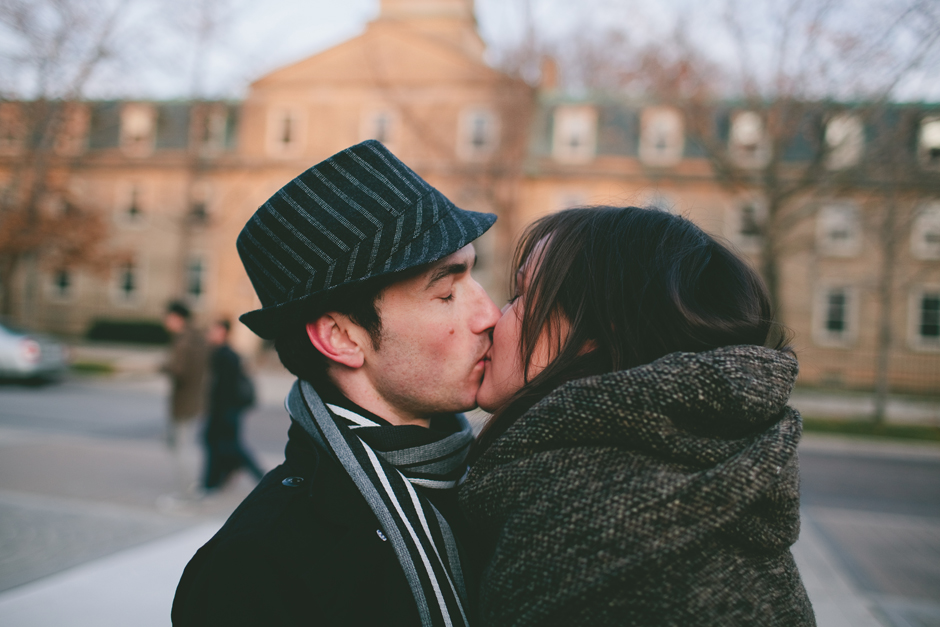 Romantic Engagement Photographer in Toronto : couple kissing