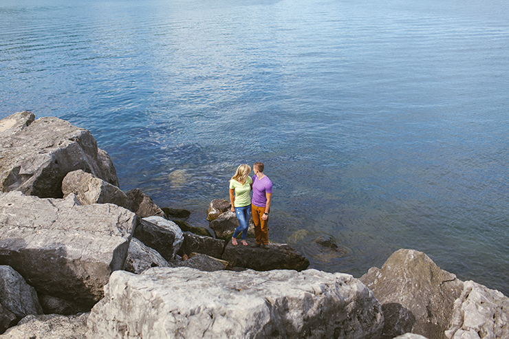 Engagement photography by Lake Ontario
