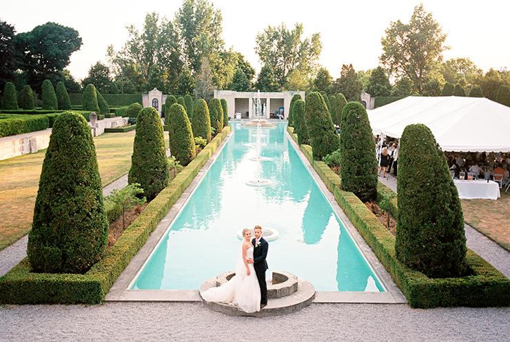 Toronto Wedding Photographer at Parkwood Estate in Oshawa