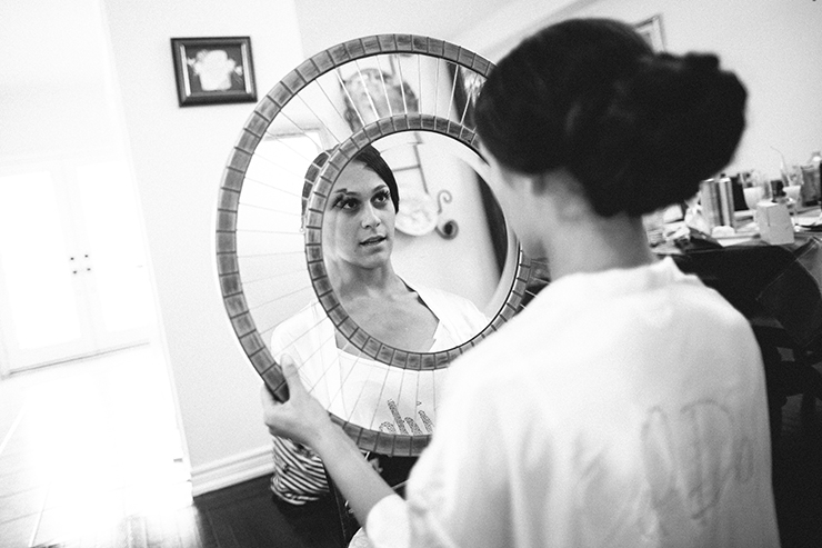 bride-getting-ready-wedding-pictures-by-toronto-photographer