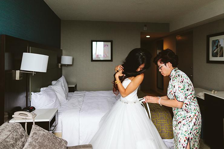 3 Toronto Bride Getting ready wedding photography